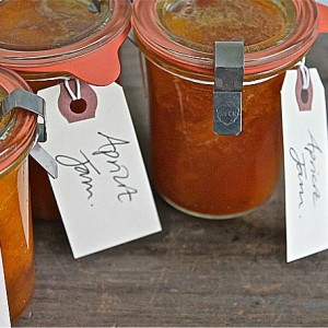 Quick Apricot Jam without Pectin